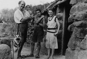 Хайнц и Маргрет Уитмер и их дети Фото: из материалов документального фильма  «Галапагосское дело: Сатана в раю»