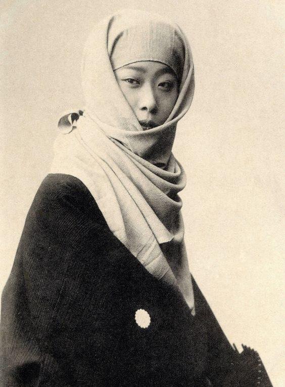 фото гейши в зимнем платье